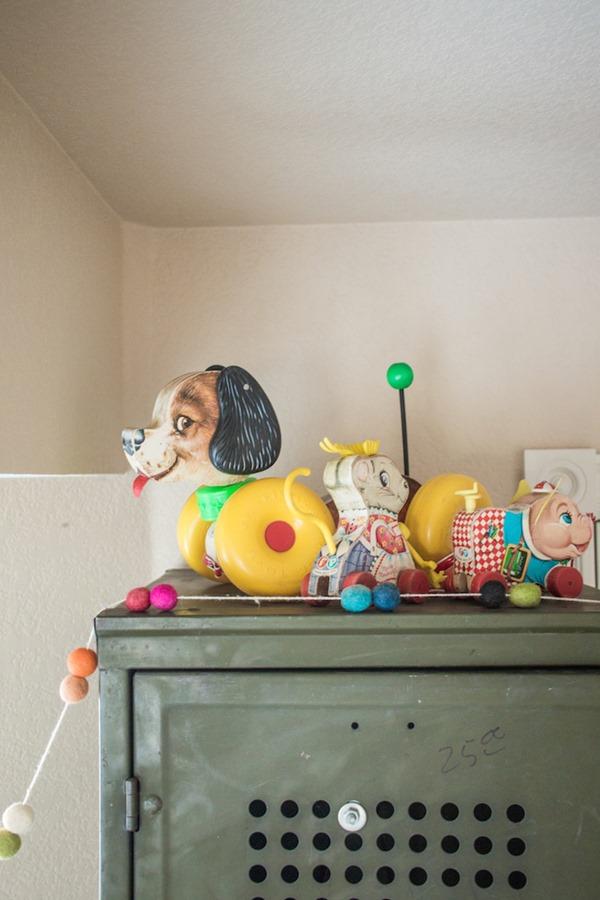 toddler-room-vintage-toys