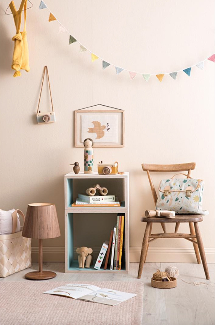 Kids' Bedroom Ideas: Wooden Details and Vintage Touches