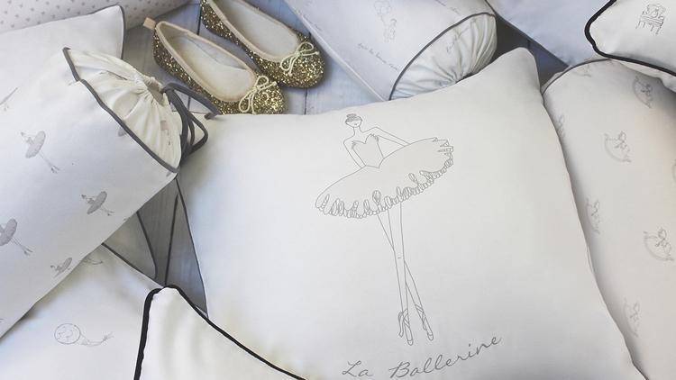 lookbook-girls-pillow-vignette