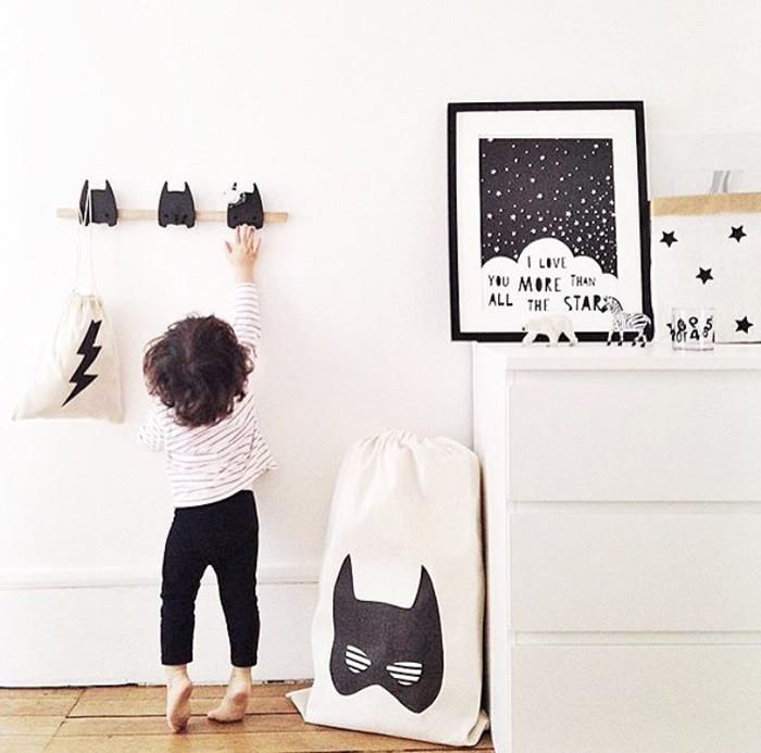 super rooms for your little superhero petit small. Black Bedroom Furniture Sets. Home Design Ideas