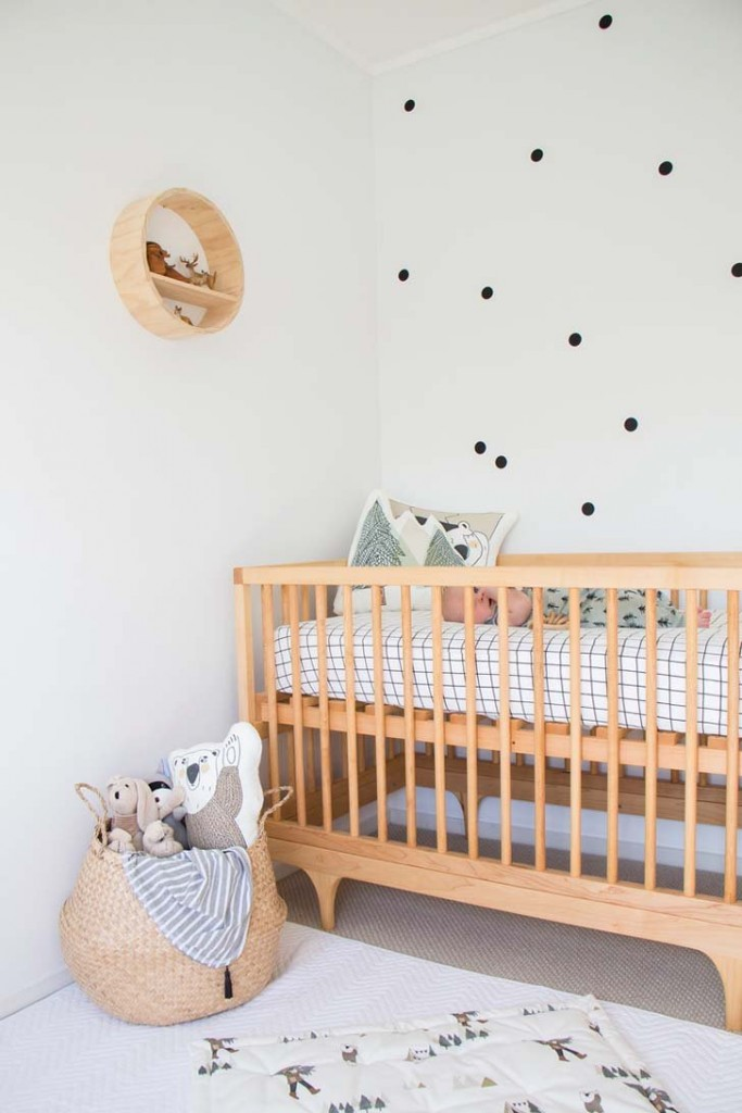 Nursery with scandinavian and natural style petit small Scandinavian baby nursery