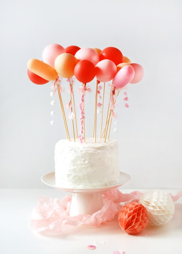 DIY-tassel-balloon-cake-topper