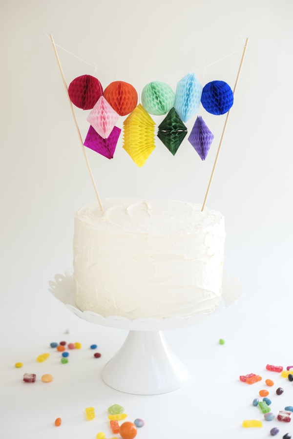honeycomb-paper-cake-topper-diy