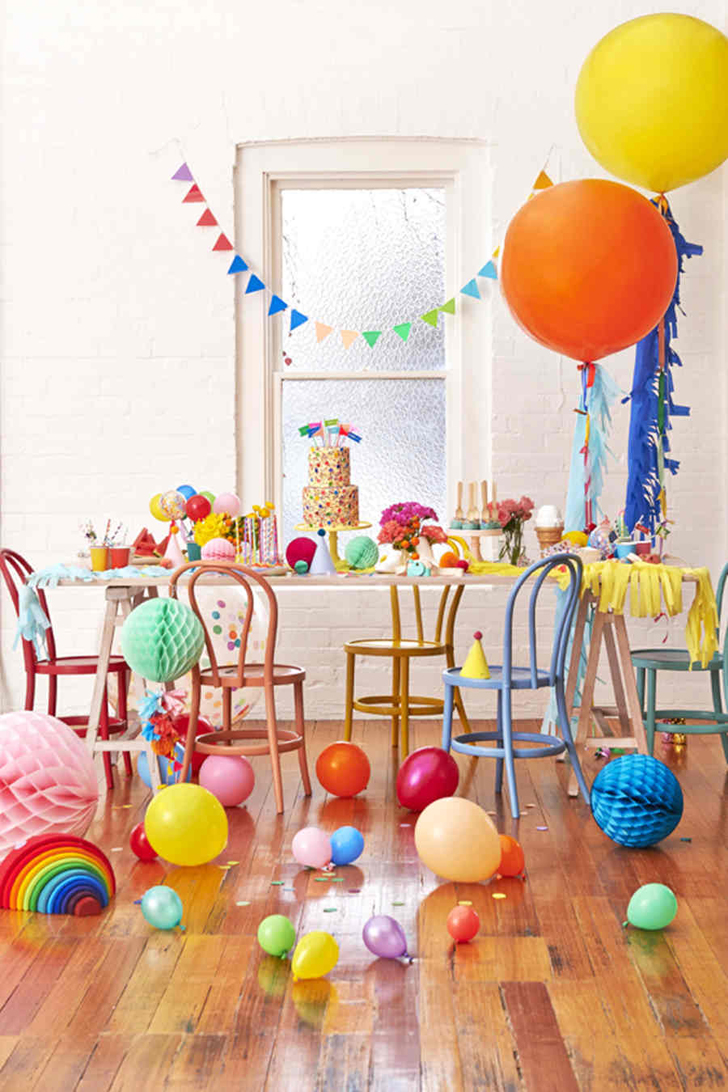 7 Ideas for Organising the Perfect Balloon and Pompon Party