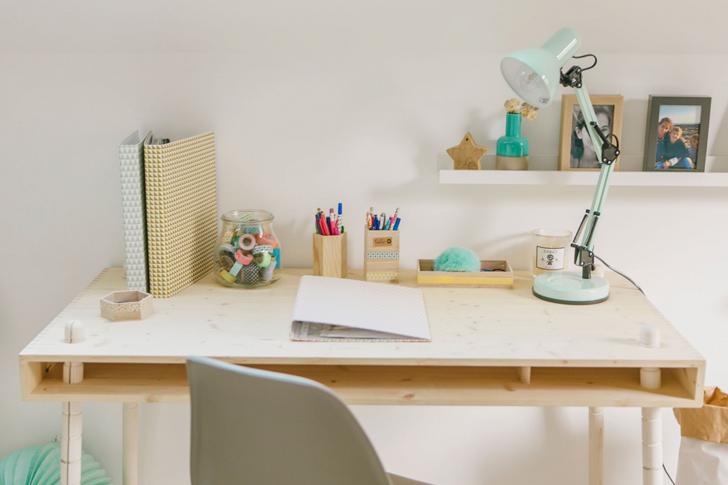 wooden-desk-childrens-bedroom