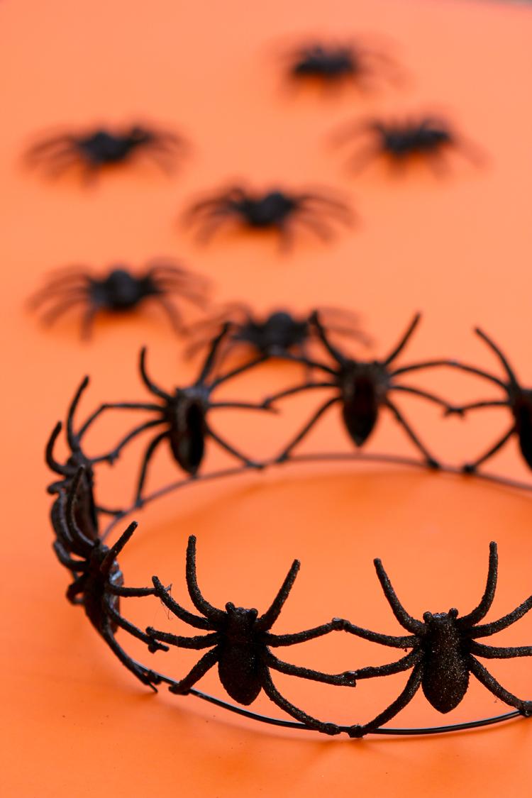 diy-halloween-spider-crown