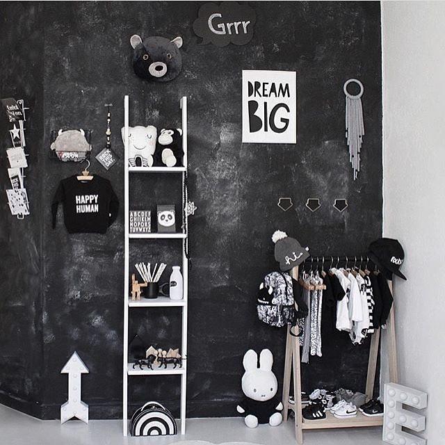 chalk-paint-wall-kids-room