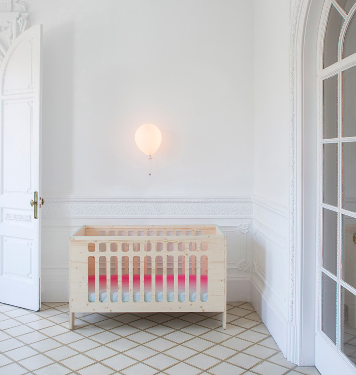 xo-inmyroom-natural-wooden-cot