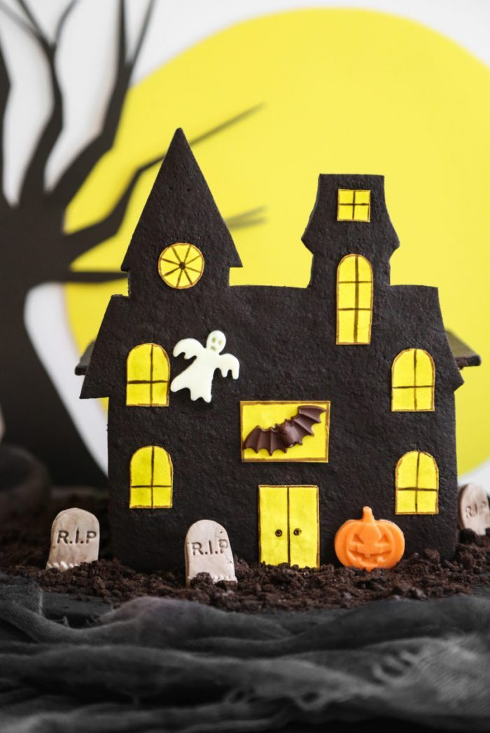 edible-haunted-house2