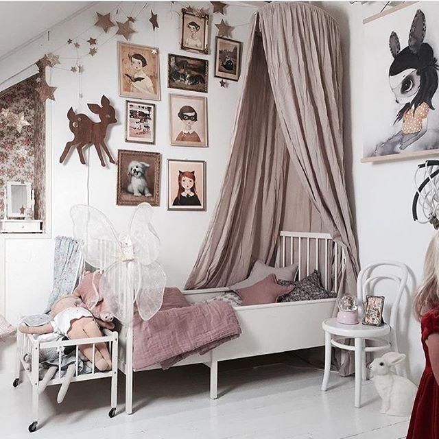 hanging-canopy-kids-room
