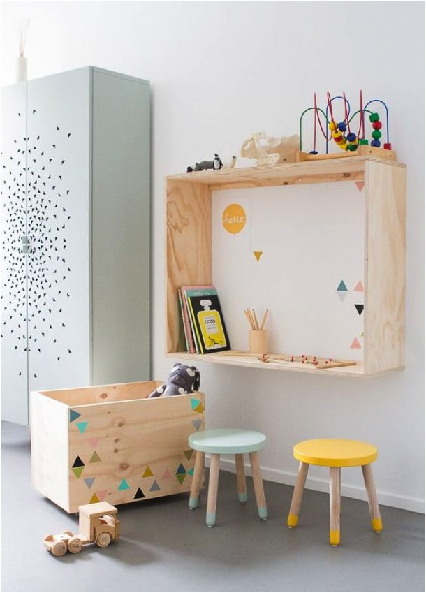 Kids rooms decorating with natural wood petit small Vintage childrens room decor