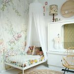 Kids' Room with Chic and Romantic Look