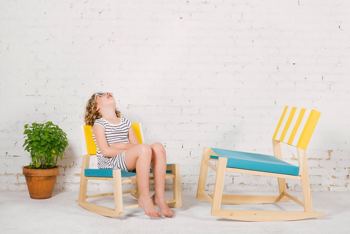 nimio_toldina_wooden-chairs-for-kids-2