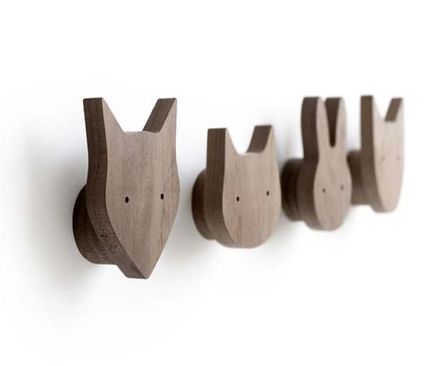 minimalist-wooden-childrens-hangers