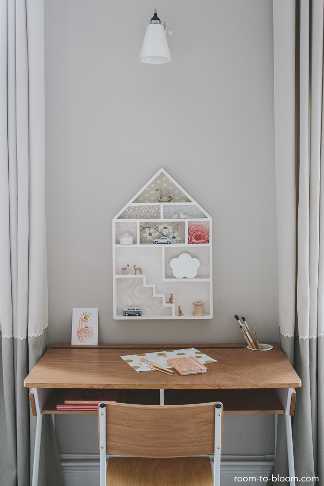 vintage-desk-childrens-room