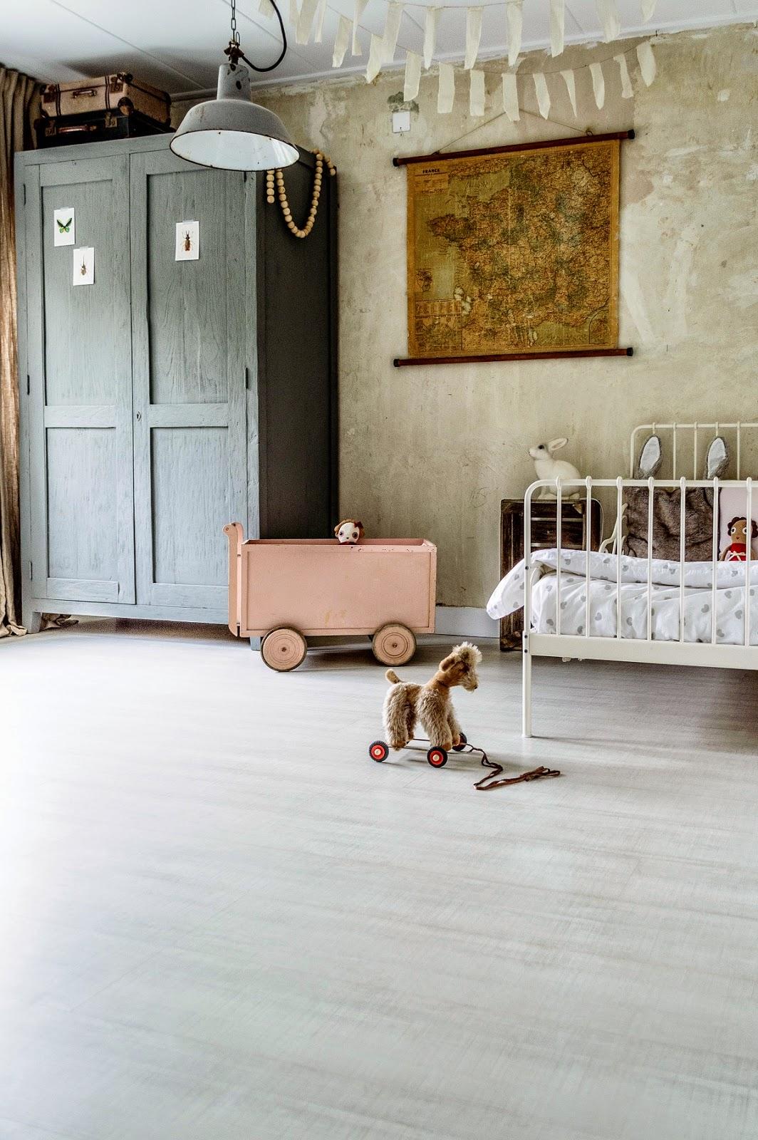 vintage-kids-room-top-image