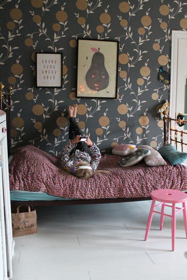 dark-wallpaper-kidsroom