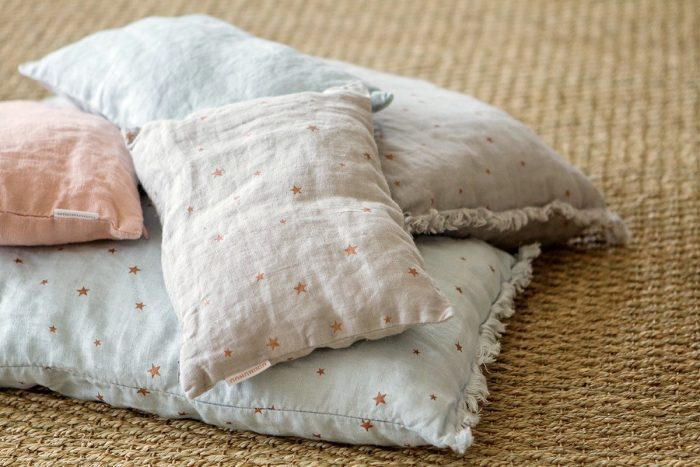 minimuhuu-organic-star-cushions