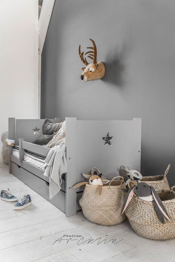 KIDS-WOODEN-BED2