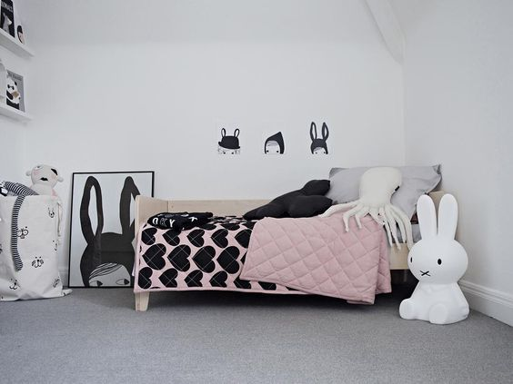 Black and White Rooms with a Pop of Colour!