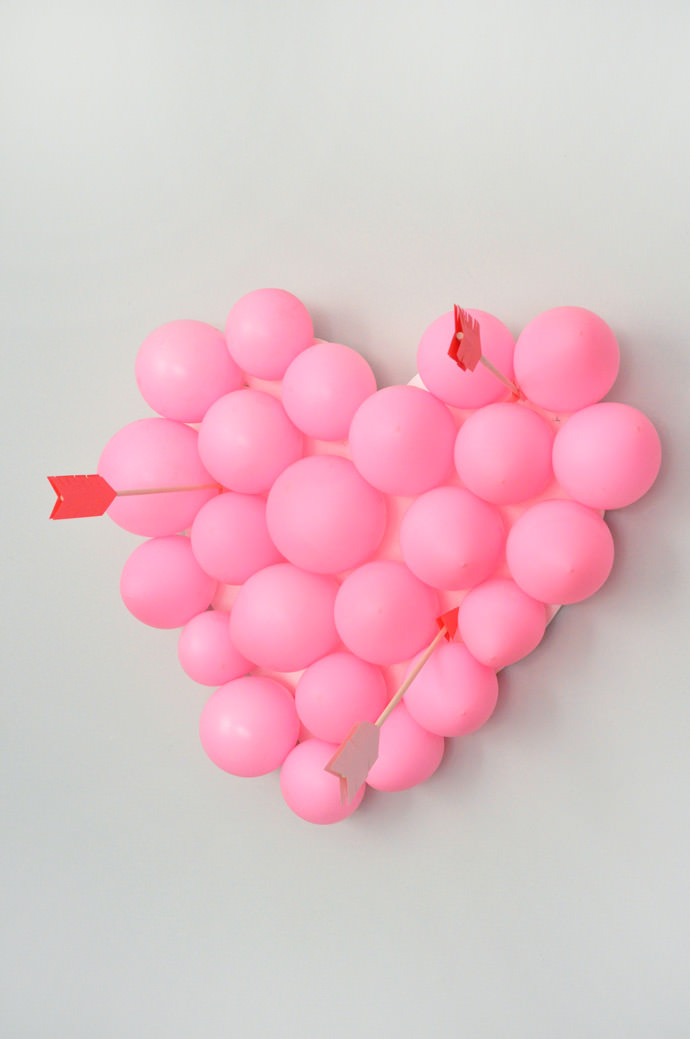 valentines-day-carnival-diy-balloon-pop