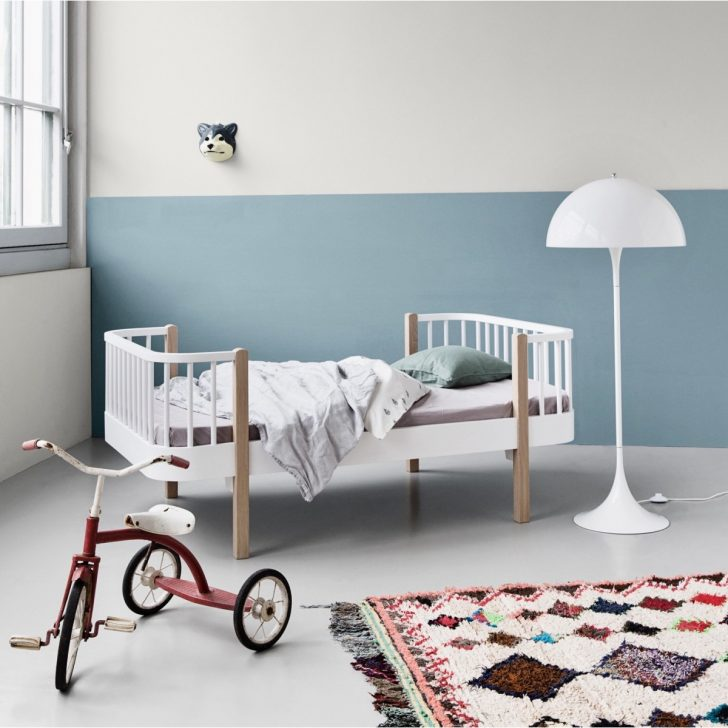 Wood_junior_bed