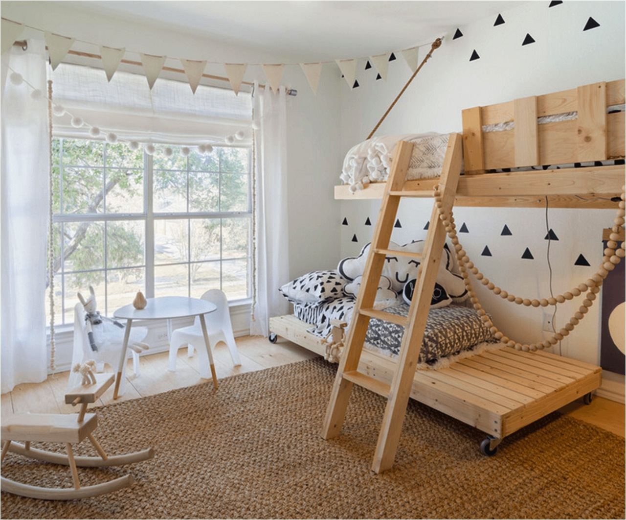 This Is Such A Great Idea Custom Made Beds Using Wooden Crates We Have To Admit That The Top Bed Would Make Us Bit Nervous As It Looks Likes Its