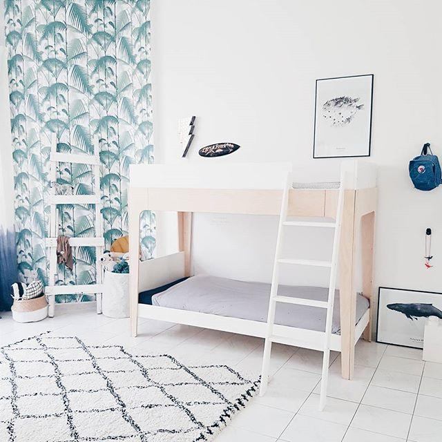 monochrome-wallpaper-shared-room