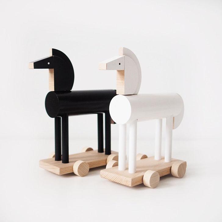 kutulu-hipo-wooden-horse
