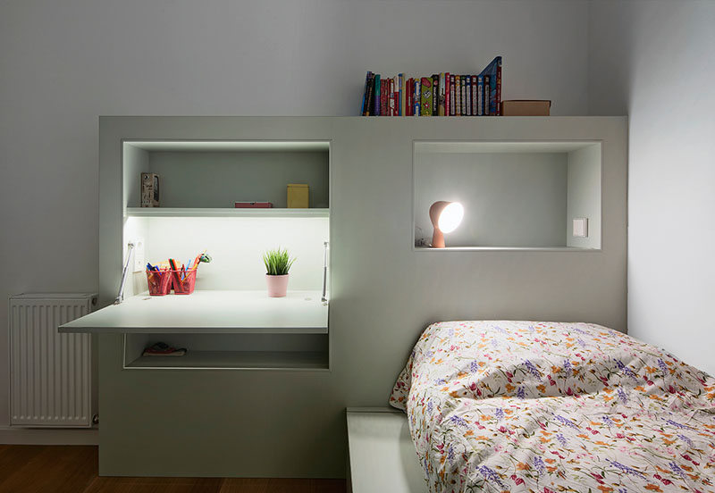 How to optimise space in your kids room big solutions for - Bed frames for small rooms ...
