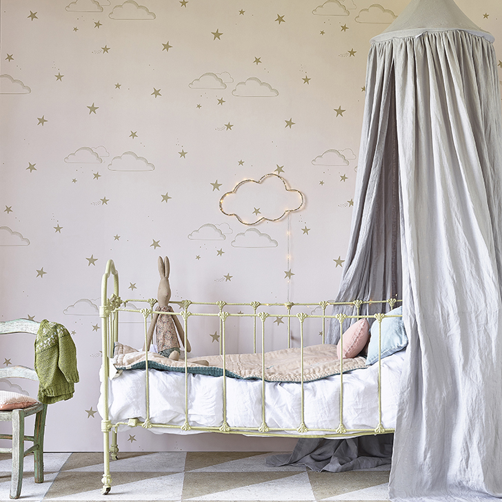 Hibou home is covering your walls with lovely fantasies for Collant mural hibou