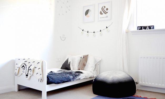 Scandinavian-Style Shared bedroom