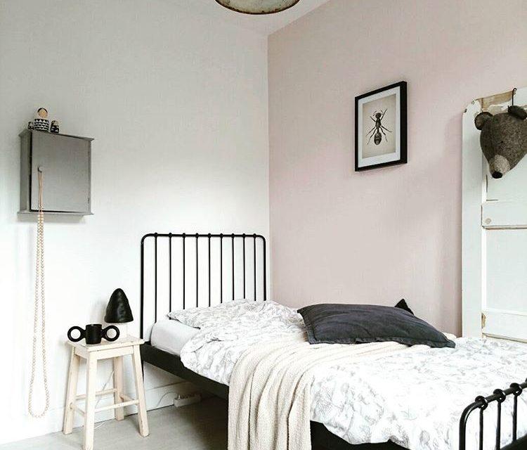 5 Stunning Minimal Kids Rooms (with Warmth)