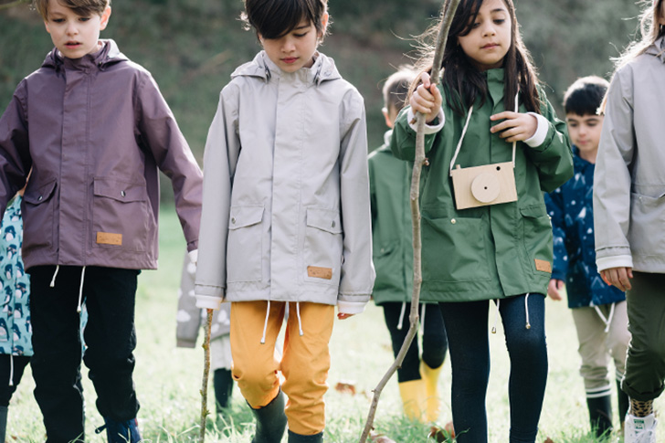 Lea & Jojo: Sustainable Raincoats for Children