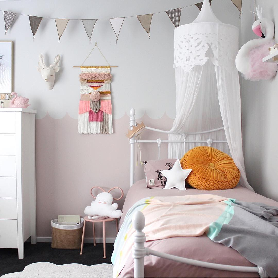 6 Dreamy and Very Different Grey and Pink Bedrooms for Girls - Petit ...