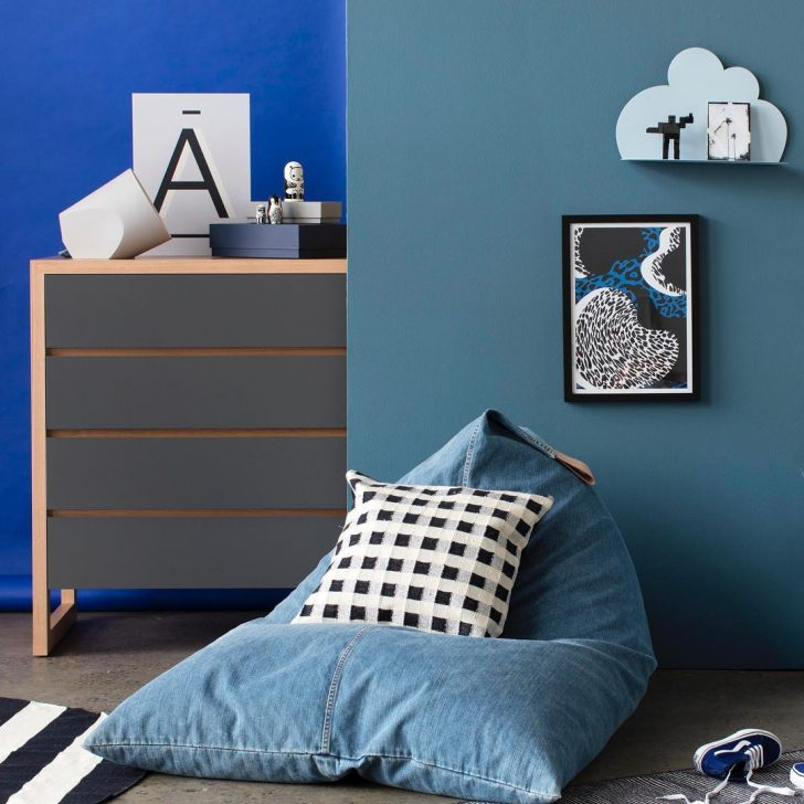 We Love The Way Diffe Shades Of Blue Have Been Combined To Create A E That Is Stunning Idea Painting Walls In Light Petrol And