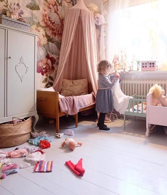 flower-wallpaper-kids-room3