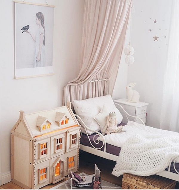 Kids' Bedrooms with Wooden Touches