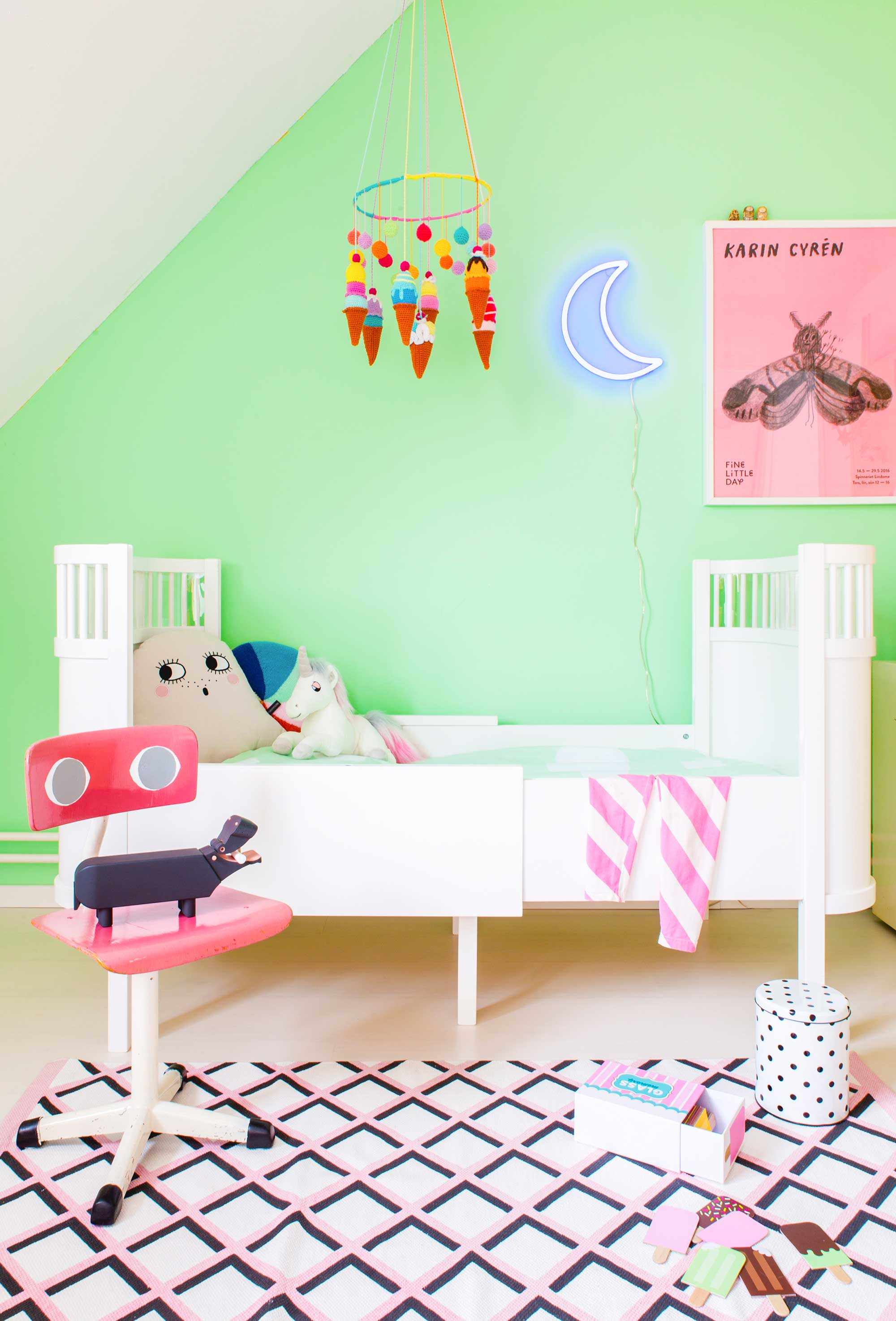 For Something A Little Diffe Especially If You Want To Be More Daring Try Clashing Pinks And Greens Like In This Room We Ve Got Bubble Gum Pink Mixed