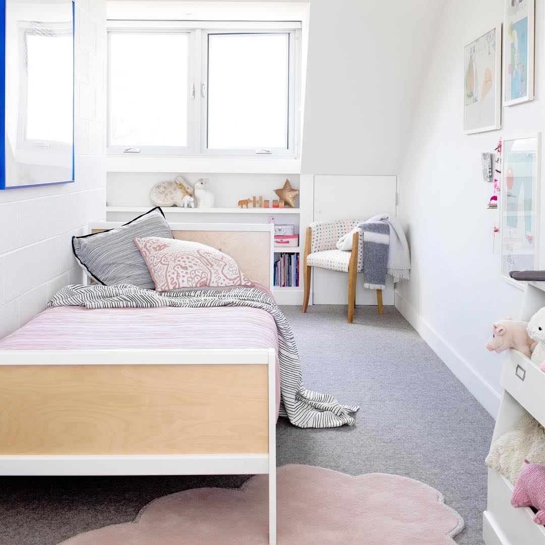 how-to-decorate-a-small-kids-room-2 - Petit & Small
