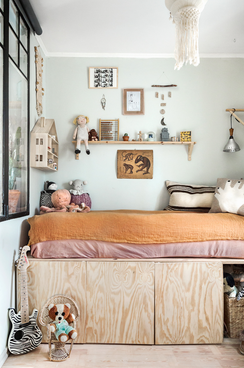 Beautiful Eclectic Style for a Kid\'s Room - Petit & Small