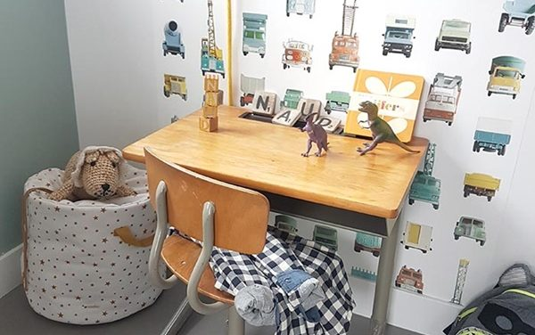5 Beautiful Kid's Desks for a Children's Room
