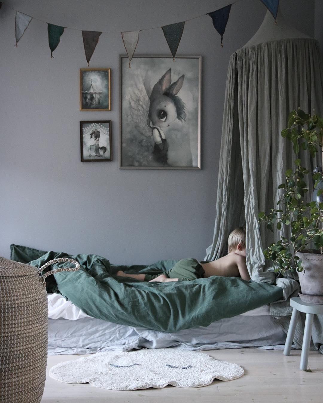 grey-and-green-kids-rooms-1