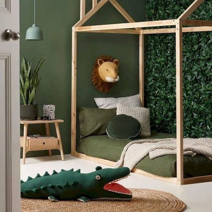 Green jungle room
